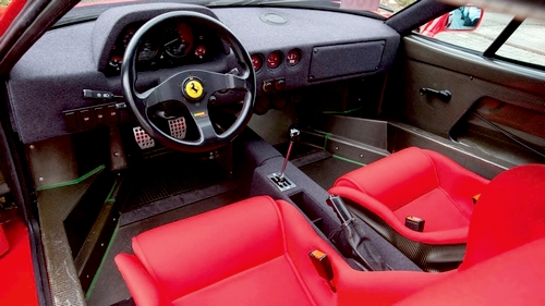 The-Ferrari-F40-Interior